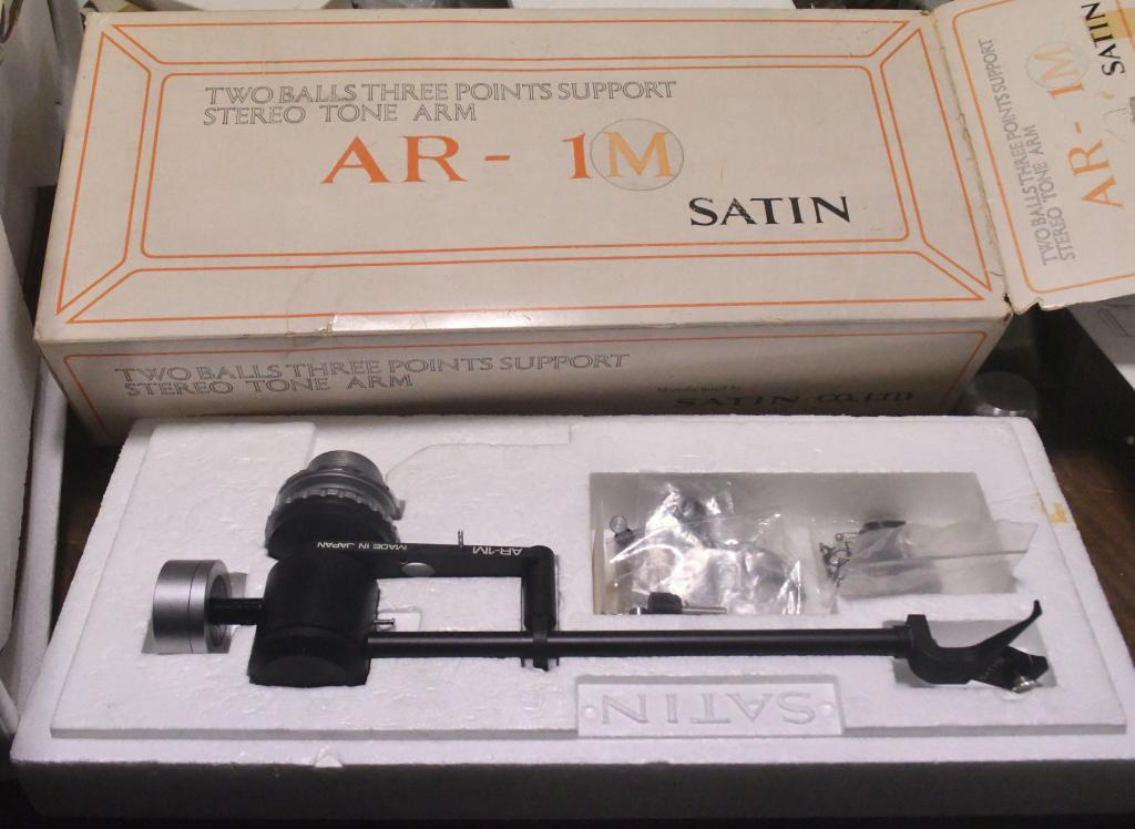 Extra rare * NOS SATIN AR-1M two ball, three points support stereo tonearm