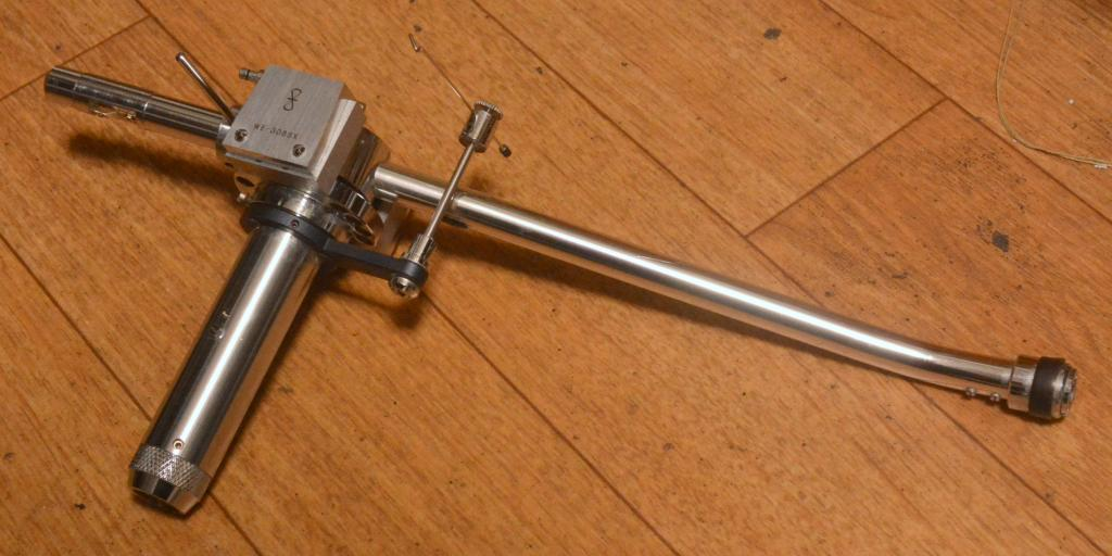 SAEC WE-308SX 9 inches tonearm body, using for upgrade from WE-308 * Perfect condition