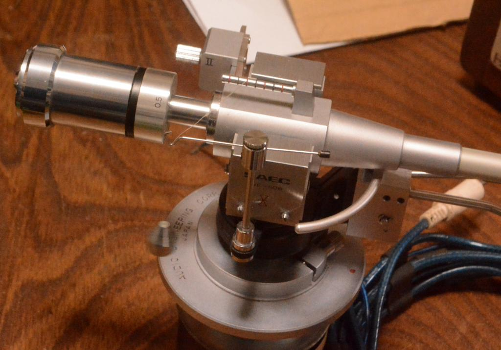 SAEC WE-506/30 12 inches long tonearm with AS-600E lifter mechanism, cable* VG condition