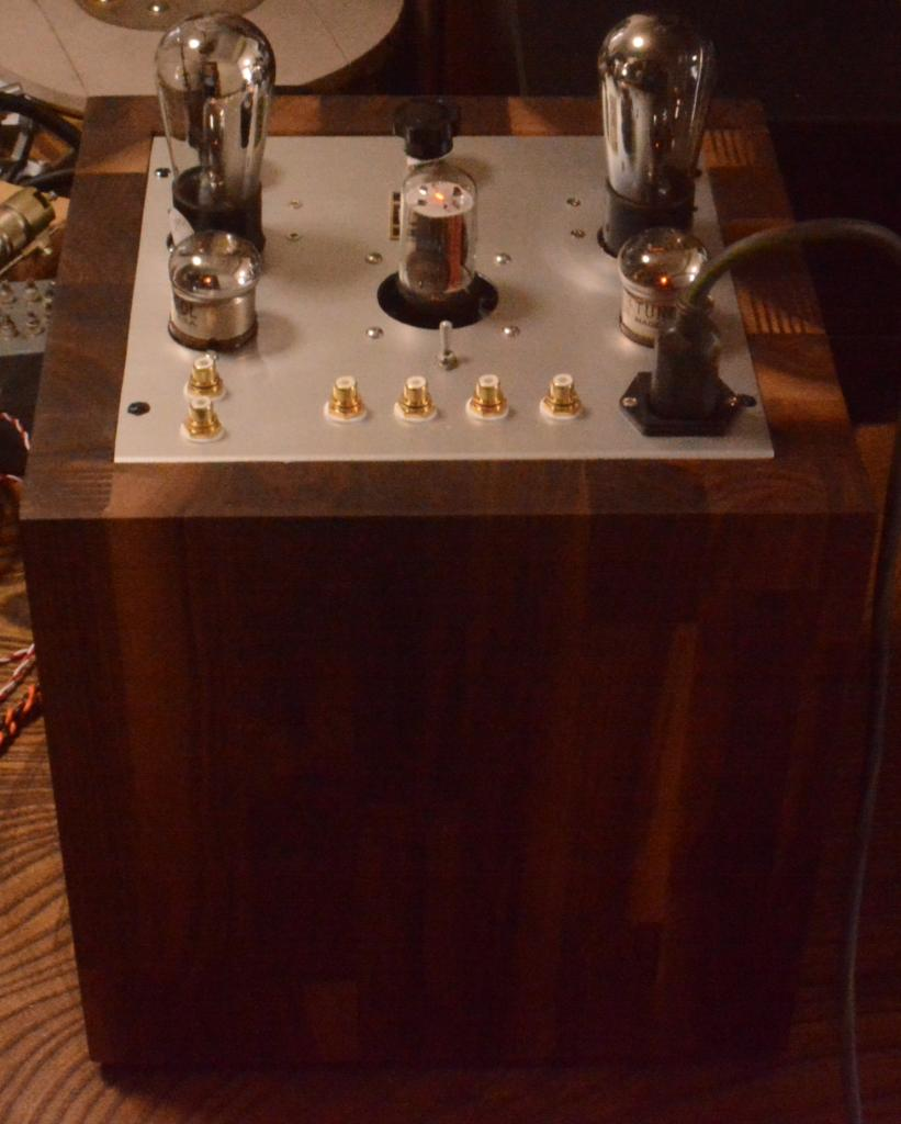 """The Tesseract"" 71A tube preamp, using for Bluetooth connection 0.7W output"