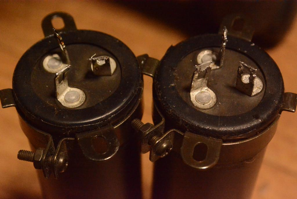 Blackgate condensers x 2 for audio mania 100uF+100uF/550V * Perfect for tube amplifier