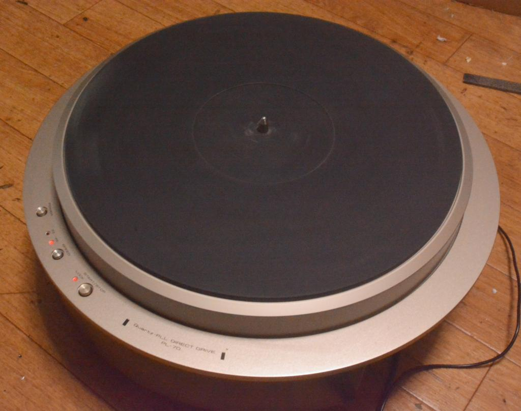 Pioneer/Exclusive Quartz PLL-70 DD turntable unit