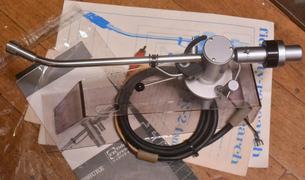 Fidelity Research FR-24S tonearm with cable, manual, template
