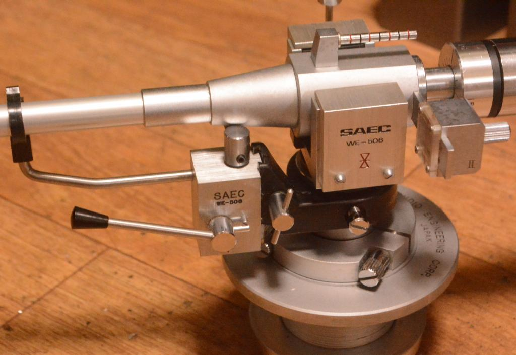 SAEC lifter for  WE-506/30 tonearm * Perfect working condition