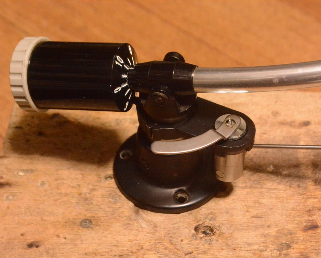 Tonearm lifter for Ortofon, EMT tonearm