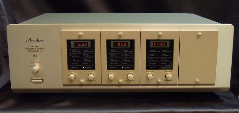 Accuphase DF-35 channel divider network for 2,3 ways with original box