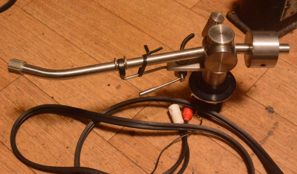 Fidelity Research FR-64S tonearm with cable