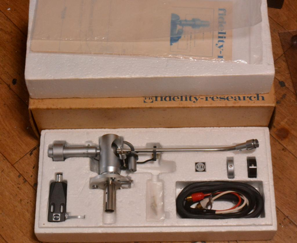 NOS  Fidelity Research FR-24S tonearm with original box, manual, headshell