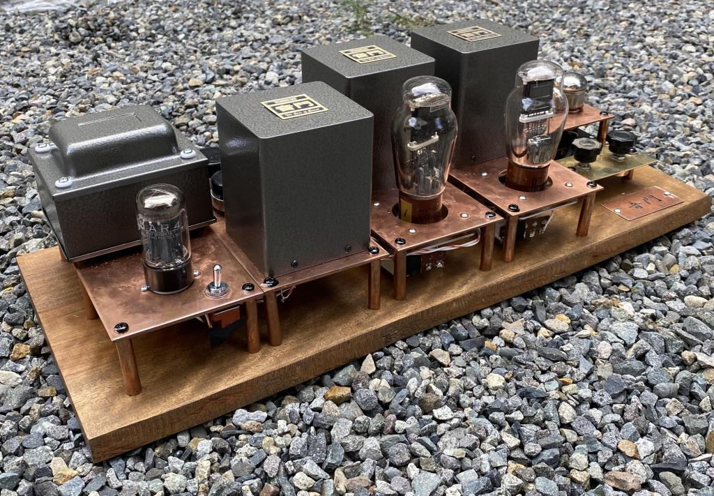 10Y/VT-25/VT-62/801 stereo tube amplifier on wooden board